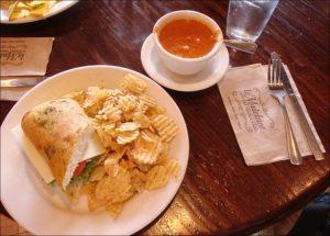LA Madeleine Breakfast Hours